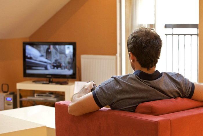 کاهش اسپرم با تماشای تلویزیون صحت دارد