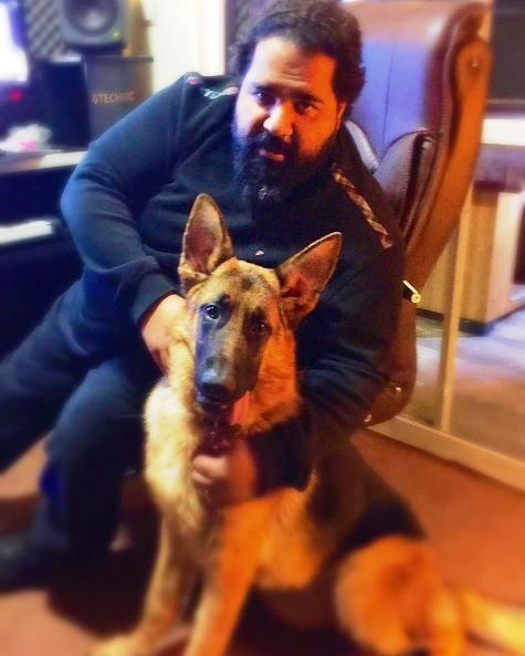 متن زیبای رضا صادقی در حمایت از یک سگ