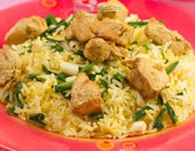 طرز تهیه پلو پیازچه با مرغ