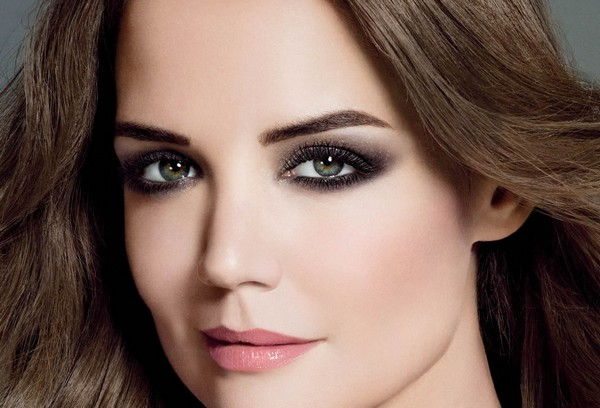 آرایش چشم های خود را مناسب با فرم چشم ها انجام دهید