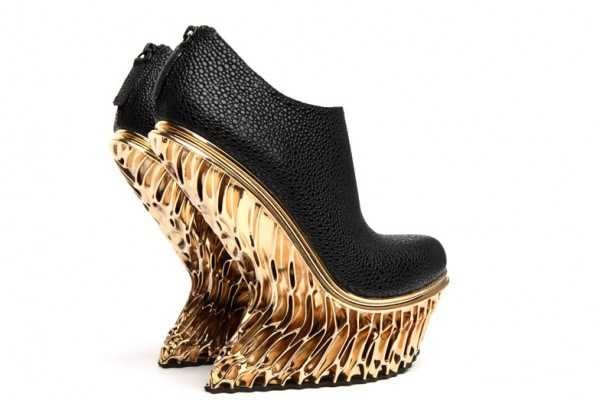 کفش مجلسی زنانه از جنس طلا ! تصاویر