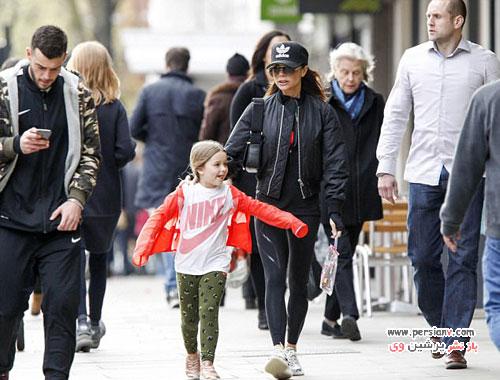 ویکتوریا بکهام و دخترش هارپر در یک پیاده روی مادر و دختری