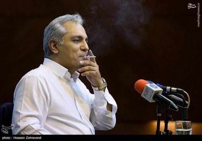 وقتی مهران مدیری در نشست خبری فیلمش جلوی همه سیگار میکشد