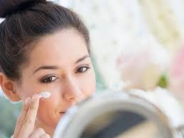 برای لطافت و نرم ماندن پوست و موهایتان در بهار از این راهکارها استفاده کنید