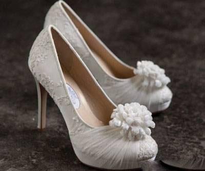 کفش عروس با زیبایهاش و نکاتش