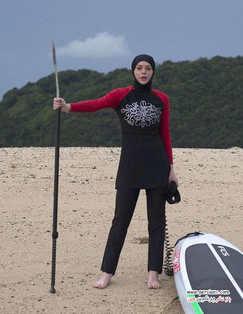 لیندزی لوهان با لباس شنای بسیار متفاوت در تایلند