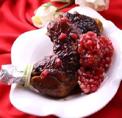 طرز تهیه ران مرغ ترش با سس انار ، یک غذای خوشمزه شمالی