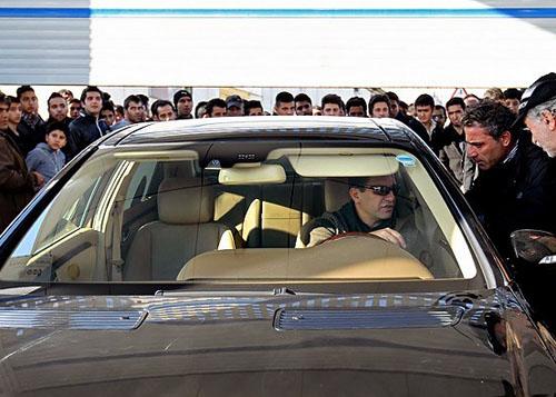 عکس: اتومبیل شخصی امیر قلعه نویی