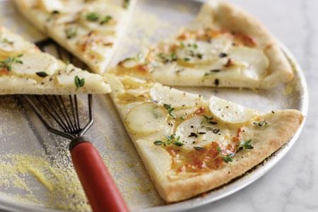 طرز تهیه پیتزا سیب زمینی و پنیر