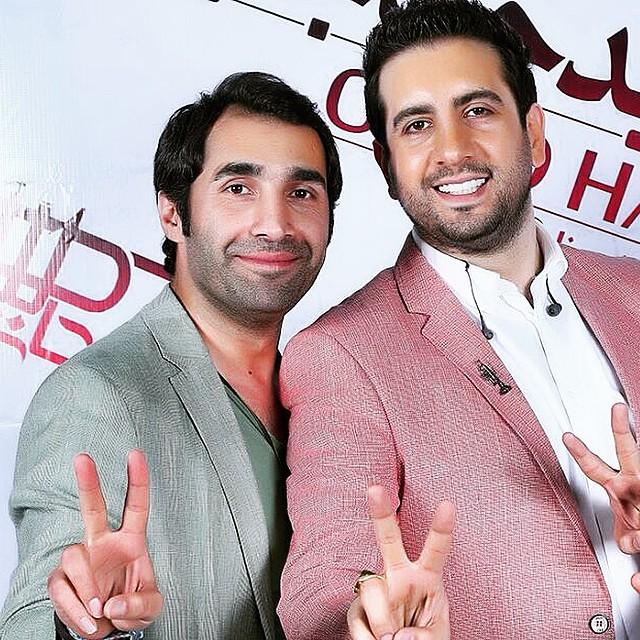 امید حاجیلی در کنار بازیگر پر انرزی