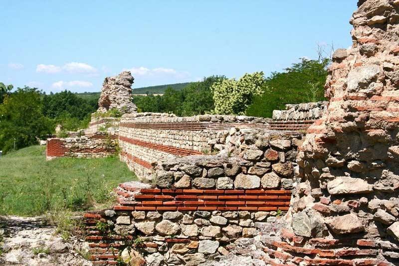 دیوارهایی یادگار رومیان در بلغارستان