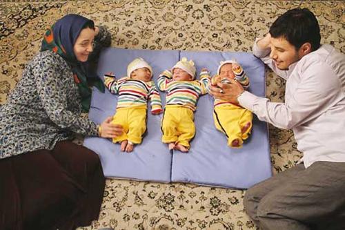 نازنین بیاتی : مادر سه قلو بودن حال خاصی دارد