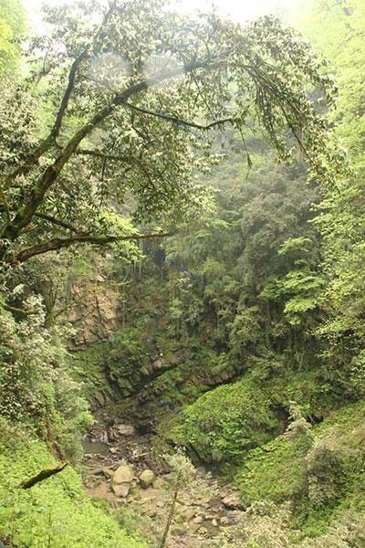 بلندترین و زیباترین آبشار ایران