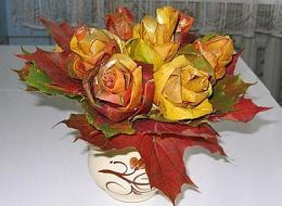 عکس : گلسازی با برگ های پاییزی