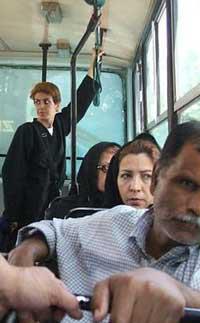 کشف حجاب یک زن بی بند و بار در تهران
