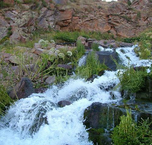 چشمه و آبشار گورگورسبلان