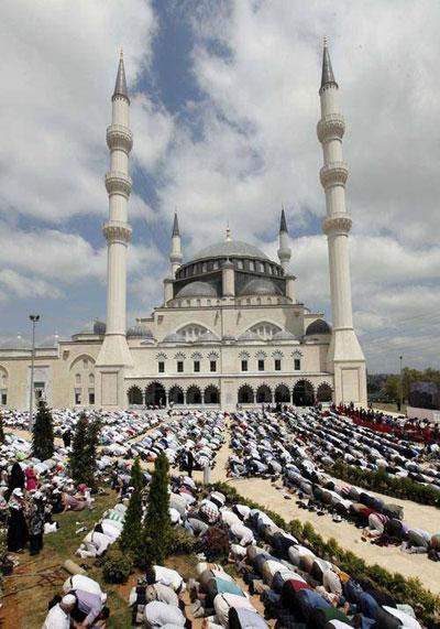 آداب و رسوم ماه رمضان در بین مردم جهان