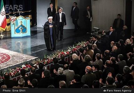حضور بازیگران مشهور سینما و هنرمندان معروف در دیدار با رئیس جمهور