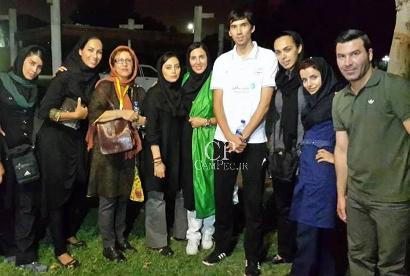 لیلا بلوکات و دختران هنرمند در سالن والیبال آزادی
