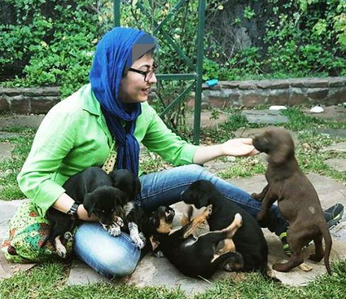 عکس جدید آناهیتا همتی در کنار توله سگ های بامزه !