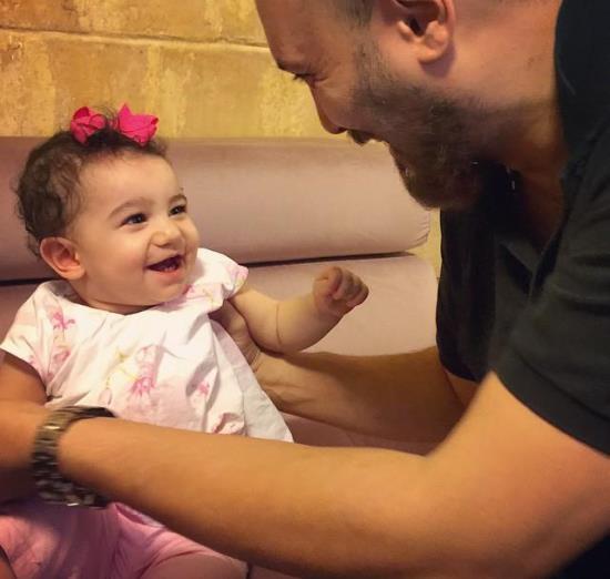 بازیگر معروف و جشن تولد دخترش