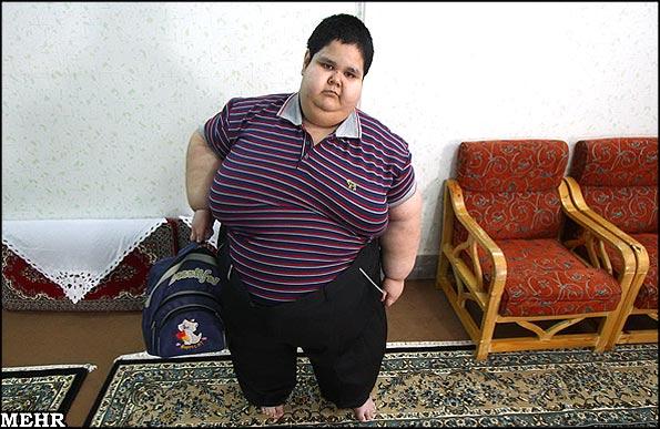 گزارش تصویری بسیار جالب از زندگی چاقترین پسر ایرانی