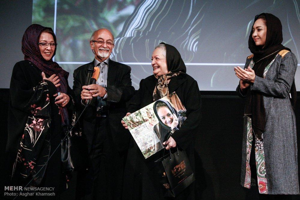 تقدیر نیکی کریمی از شهلا ریاحی در یک مراسم بعد از 30 سال!