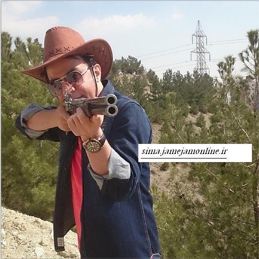 عموپورنگ شکارچی می شود /عکس جدید داریوش فرضیایی در اینستاگرام