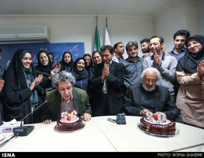 جشن تولد خبرنگاران برای جمشید مشایخی و پسرش