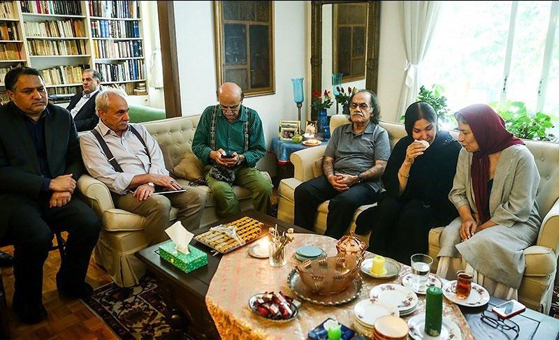 بازیگران و هنرمندانی که به منزل داود رشیدی آمدند