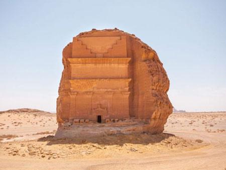 قلعه تنهایی در عربستان تصاویر
