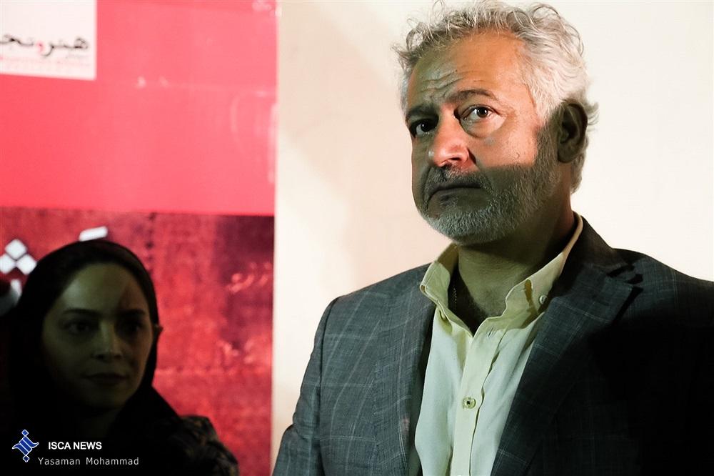 حضور باران کوثری با پدر و مادرش در اکران افتتاحیه فیلم آی آدمها