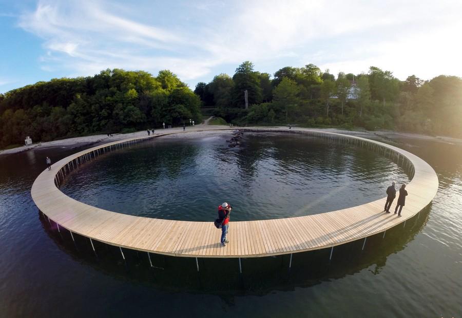 پلی بی نهایت که جاذبه ای دیدنی در دانمارک شده است