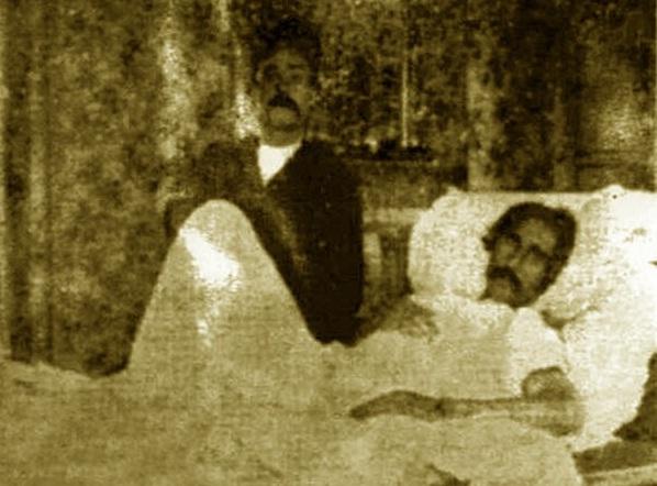 ستارخان در بستر بیماری / تصویر
