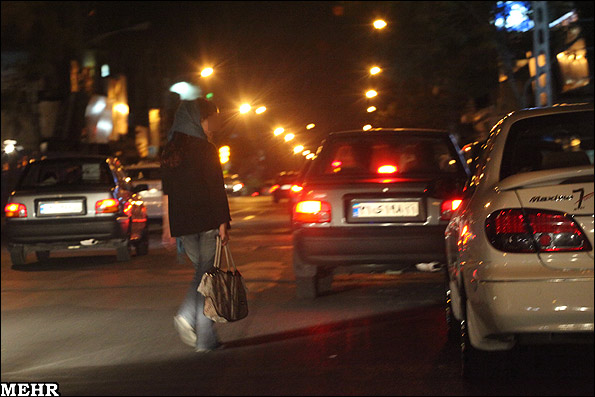 زنان خیابانی و خیابانهای بالای شهر  عکس