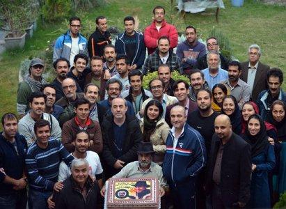 جشن تولد 56 سالگی کمال تبریزی در پشت صحنه یک سریال