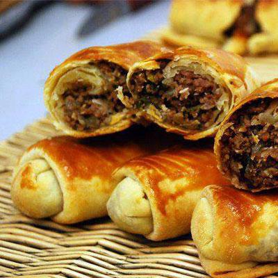 بورک گوشت و گردو یک غذای خوشمزه از کشور ترکیه