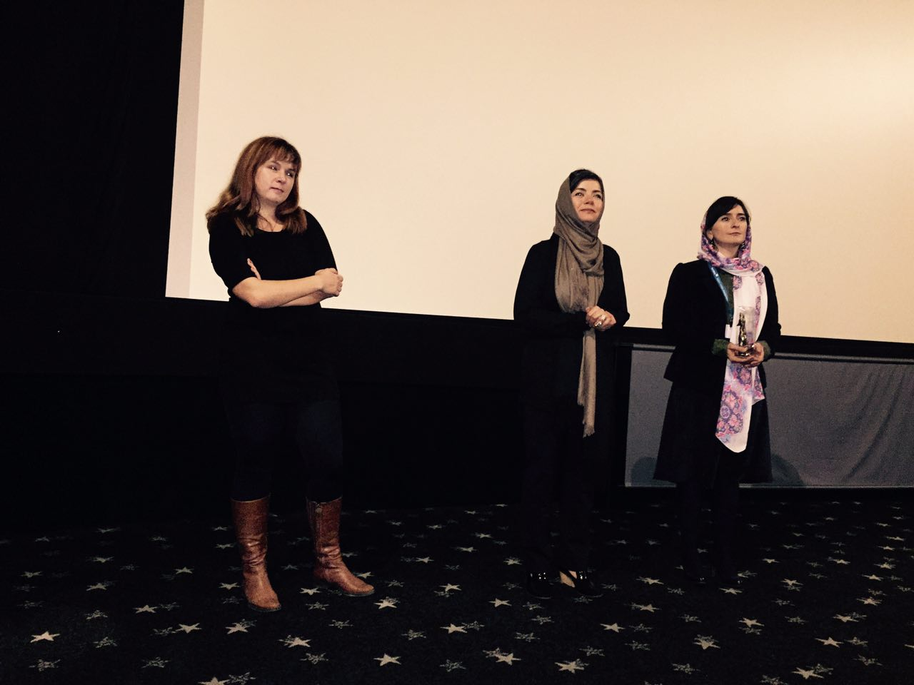 بازیگر زن سینمای ایران، در یک جشنواره بینالمللی