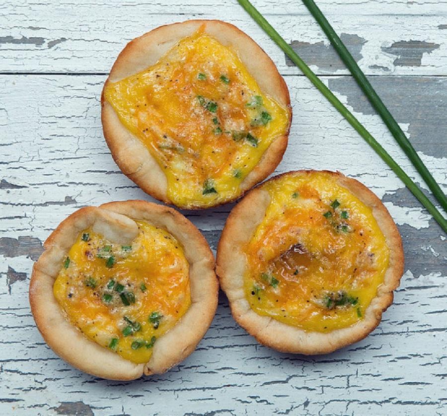بیسکوئیت پنیری با تخم مرغ ، این بیسکوئیت برای صبحانه عالی میشود