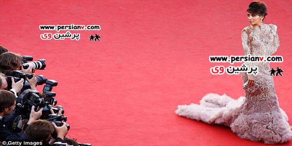دو مدل لباس بسیار عجیب در فرش قرمز عکس