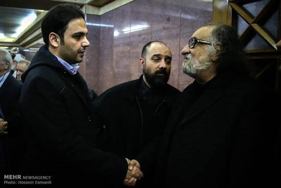 مراسم ترحیم انوشیروان ارجمند با حضور بازیگران ، ورزشکاران و چهره های مشهور