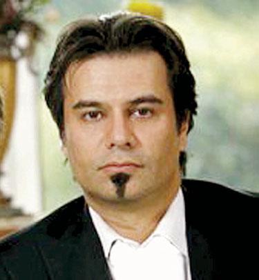 هنرمندان ایرانی مشهور چه شعرهایی را در خلوت خود می خوانند؟