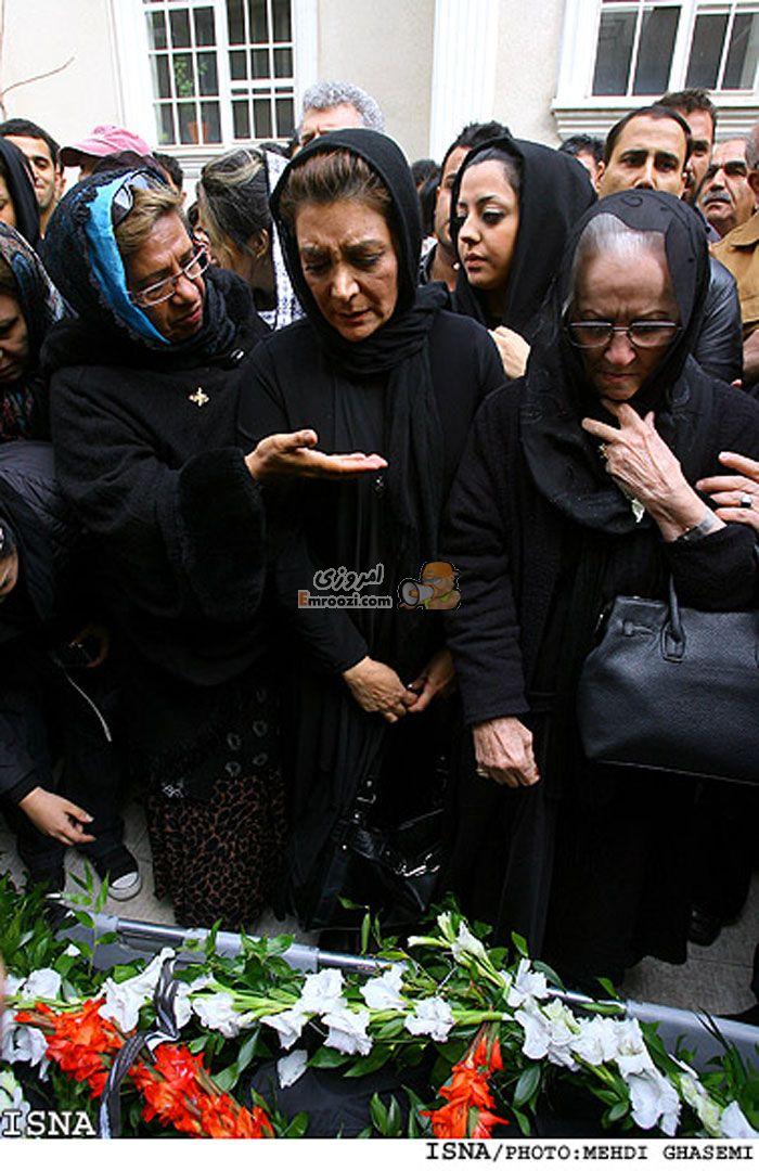 عکس مراسم خاکسپاری نیکو خردمند (قدیمی اما جالب )