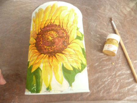 نحوه دکوپاژ گل آفتابگردان روی قوطی