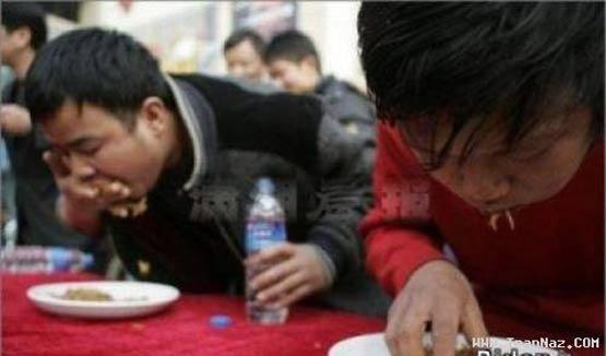تصاویر: مسابقه کرمخوری در چین!