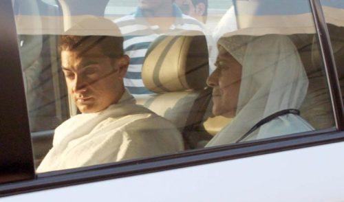 بازیگر معروف و خوش چهره بالیوود به مکه رفت  عکس