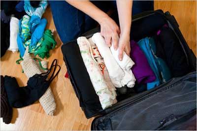 چطور وسایل سفر را در یک چمدان کوچک جا دهیم؟