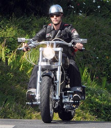 افراد مشهور سوار بر موتورسیکلت