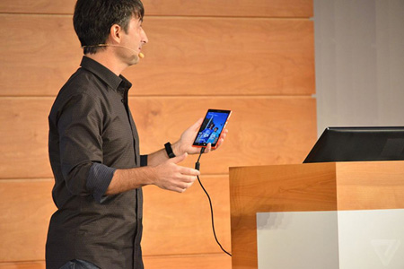 مایکروسافت از ویندوز ۱۰ نسخه موبایل خود رونمایی کرد عکس
