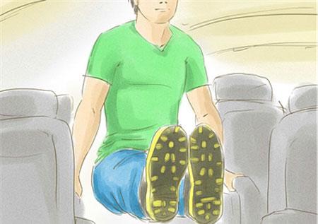 برای جلوگیری از گرفتگی و دردها در پروازهای طولانی حتما این کارها را انجام دهید
